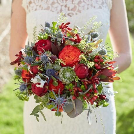 Rich, striking bouquet