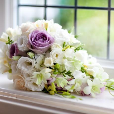 Flowerful Teardrop bouquet